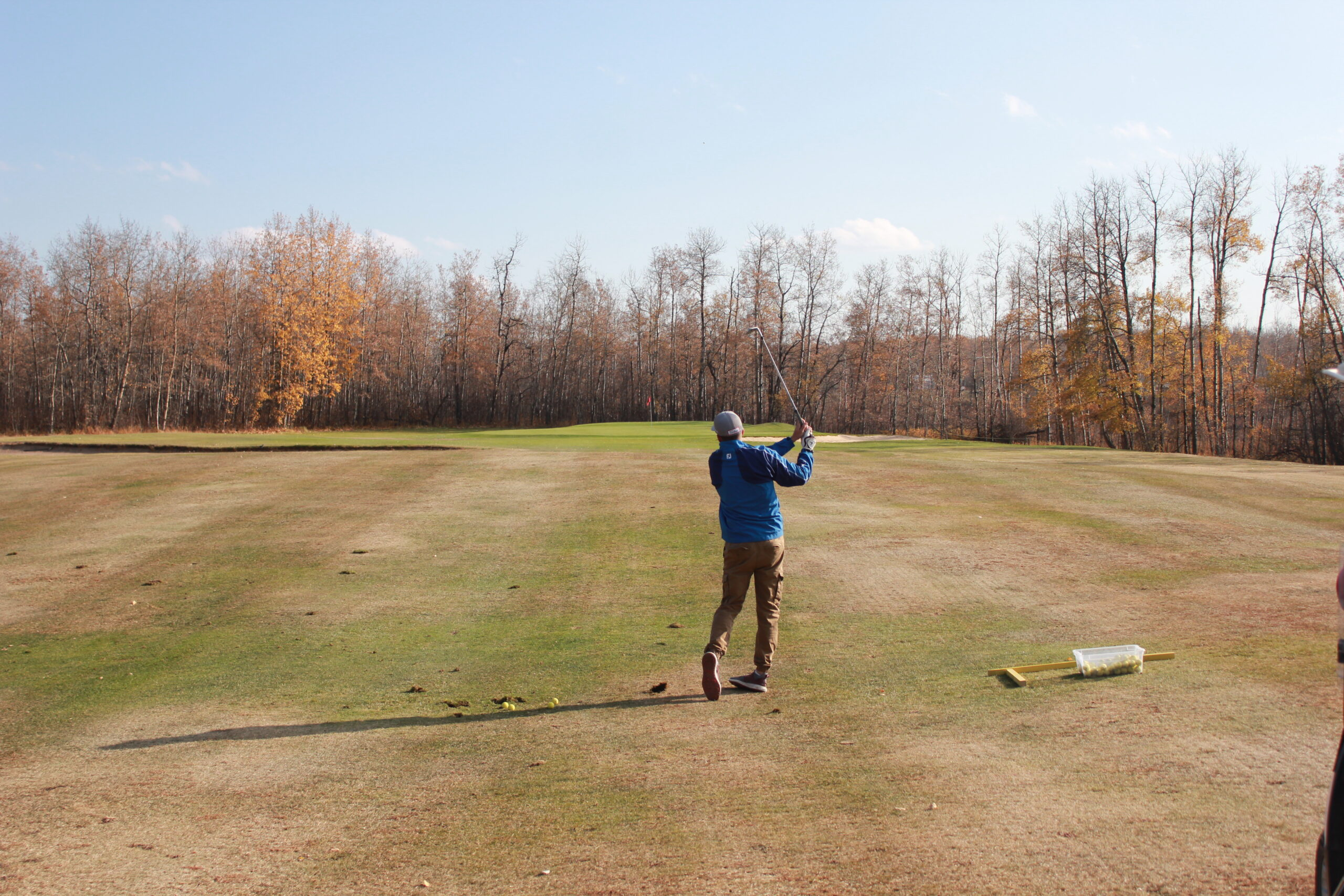 4 Wing golfers take their shot in competition